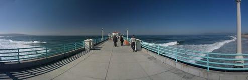 漫步下来的码头 免版税图库摄影