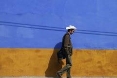 漫步在城镇附近在墨西哥 免版税库存照片