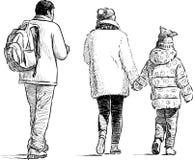 漫步的家庭 免版税库存图片