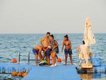 潜航在红色海Sharm Elshiekh -埃及的人 库存照片