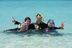 潜航的家庭 图库摄影