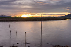 潜逃Ta Klong水坝有低级水 免版税库存图片