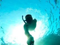 潜水员释放 库存照片