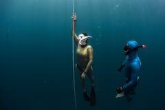 潜水员释放 免版税库存照片