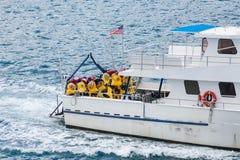 潜水小船在海 免版税库存照片