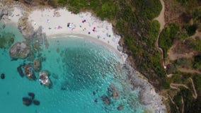 潜水艇的天堂,与俯视海的海角的海滩 赞布罗内,卡拉布里亚,意大利 影视素材