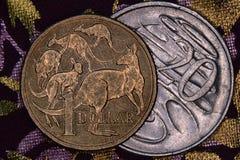 澳大利亚人的特写镜头1美元和20分硬币 库存图片