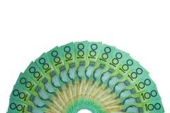 澳大利亚元,澳大利亚金钱100美元在白色背景的钞票堆 免版税库存照片