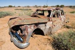 澳洲在内地被击毁的汽车老 免版税库存图片