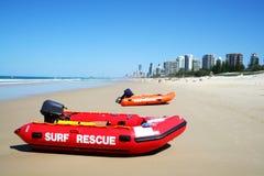 澳洲小船海岸金子抢救海浪 免版税库存照片