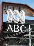 澳洲广播公司的商标和wordmark在一个大厦的在墨尔本 图库摄影