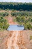 澳洲横穿gibb西部河的路 库存图片