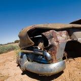 澳洲汽车在内地被击毁的前面老 免版税库存照片