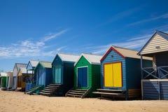 澳洲海滩五颜六色的小屋 图库摄影