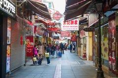 澳门- 2018年1月17日:食物街道或官也街Tai的 库存图片
