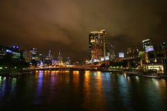 澳洲墨尔本晚上河yarra 免版税库存照片