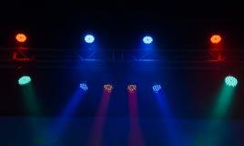 激光发出光线聚光灯阶段 免版税库存照片