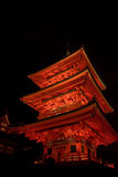 激光展示的Ight在kiyomizu dera寺庙 免版税图库摄影