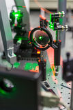 激光的研究在试验台的 免版税库存图片