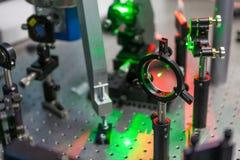 激光的研究在试验台的 库存照片