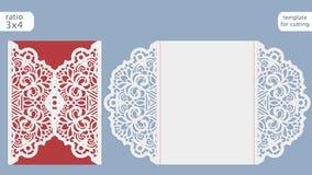 激光裁减婚礼邀请卡片模板 删去与鞋带样式的纸牌 切开的绘图员贺卡模板 免版税库存照片