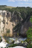 瀑布和彩虹 免版税库存图片