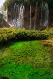 瀑布和池塘在Plitvice湖 库存照片