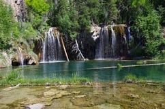 瀑布和湖的图片 库存照片