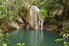 瀑布和湖 库存图片