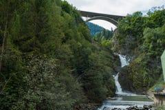 瀑布和能量 库存照片