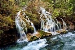 瀑布在九寨沟,四川中国 免版税库存图片