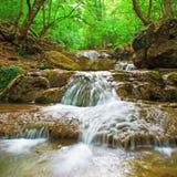 瀑布在乡下 免版税库存照片