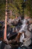 瀑布在优胜美地公园 免版税库存图片