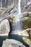 瀑布在优胜美地国家公园 库存照片