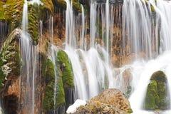瀑布在冬天 免版税库存图片