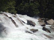 瀑布在国王峡谷国家公园 免版税库存图片