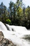 瀑布在夏天 库存照片