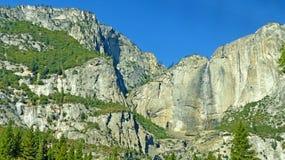 瀑布在尤塞米提谷 免版税库存照片