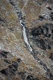 瀑布在昆斯敦附近的Remarkables顶部在新西兰 库存图片