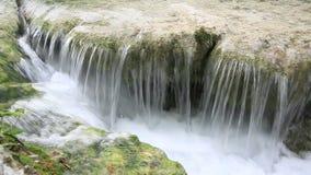 瀑布在普利特维采湖群国家公园 股票录像