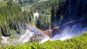 瀑布在有两条彩虹的奥地利在夏天 库存照片