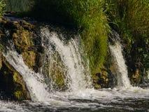 瀑布在河文塔的Ventas仑巴舞Kuldiga的,拉脱维亚,选择聚焦 免版税库存图片