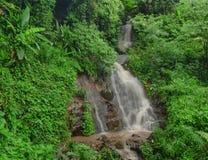 瀑布在清莱的,泰国密林 库存图片