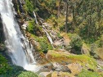 瀑布在热带雨林,泰国里 库存照片
