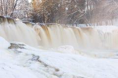 冻瀑布在爱沙尼亚 库存图片