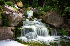 瀑布在荷兰公园 免版税库存照片