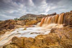 瀑布在里约Tinto 免版税图库摄影