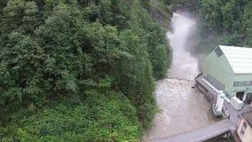 瀑布在阿尔卑斯 股票录像