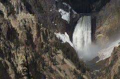 瀑布在黄石 库存图片