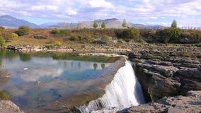 瀑布在黑山 影视素材